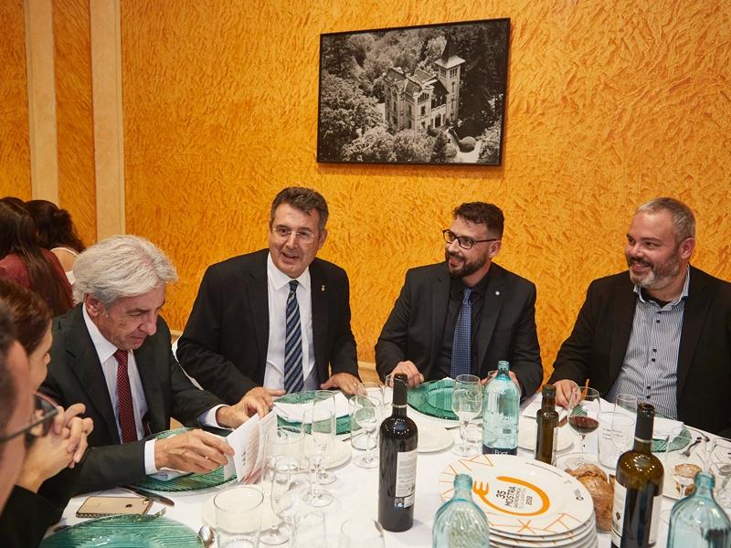 Foto 1 : El president de la Diputació participa en l'obertura de la 35a edició de la Mostra Gastronòmica de la Garrotxa