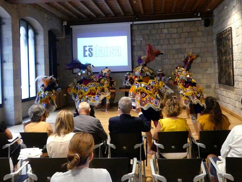 Foto 5: Albert Piñeira participa en la presentació de l'Ésdansa 2019
