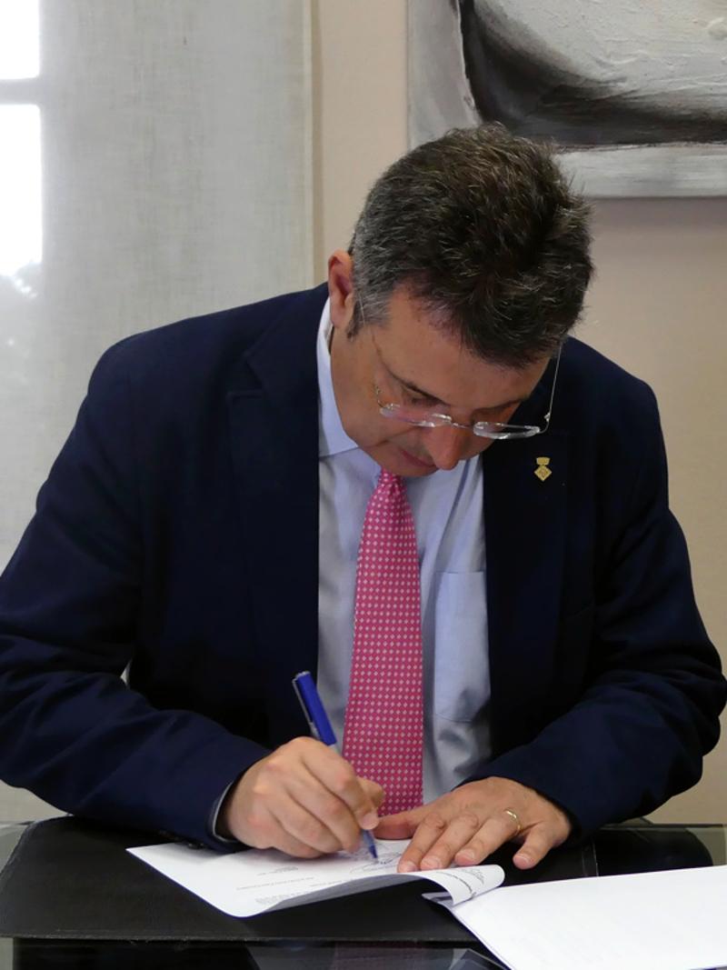 Foto 3 : La Diputació de Girona i la Ricky Rubio Foundation signen un conveni per implantar el projecte «Community Team»<br>