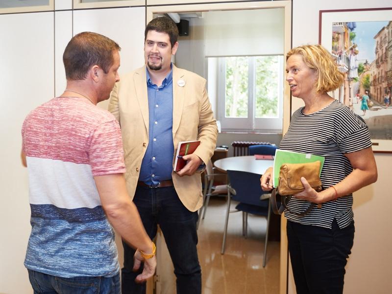 Foto 3 : Pau Presas es reuneix amb membres del consistori de Salt<br>