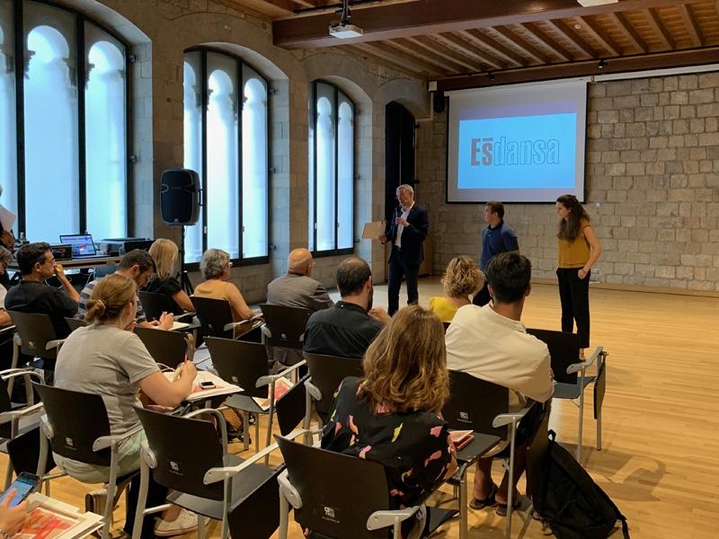 Foto 4: Albert Piñeira participa en la presentació de l'Ésdansa 2019
