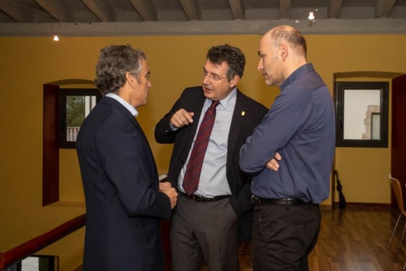 Foto 5: <p>El president de la Diputaci&oacute; obre la primera jornada sobre el bestiar porc&iacute; a la demarcaci&oacute; de Girona</p>