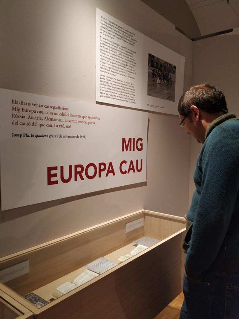 Foto 4: <p>L&rsquo;exposici&oacute; &laquo;Mig Europa cau. Impressions de Josep Pla sobre la Gran Guerra&raquo; arriba a Girona</p>