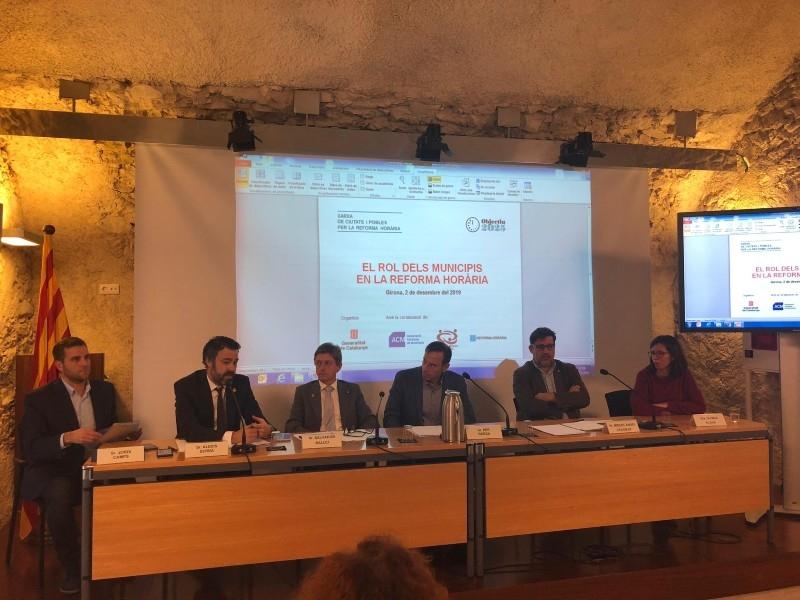 Foto 3 : <p>Jornada &laquo;El rol dels municipis en la reforma hor&agrave;ria&raquo;</p>
