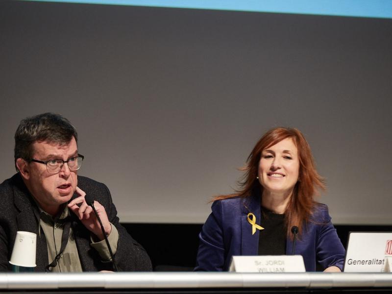 Foto 2 : La vicepresidenta M Àngels Planas assisteix a la Jornada d'Innovació Tecnològica en Smart Cities<br>