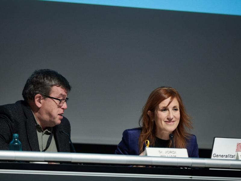 Foto 3 : La vicepresidenta M Àngels Planas assisteix a la Jornada d'Innovació Tecnològica en Smart Cities<br>