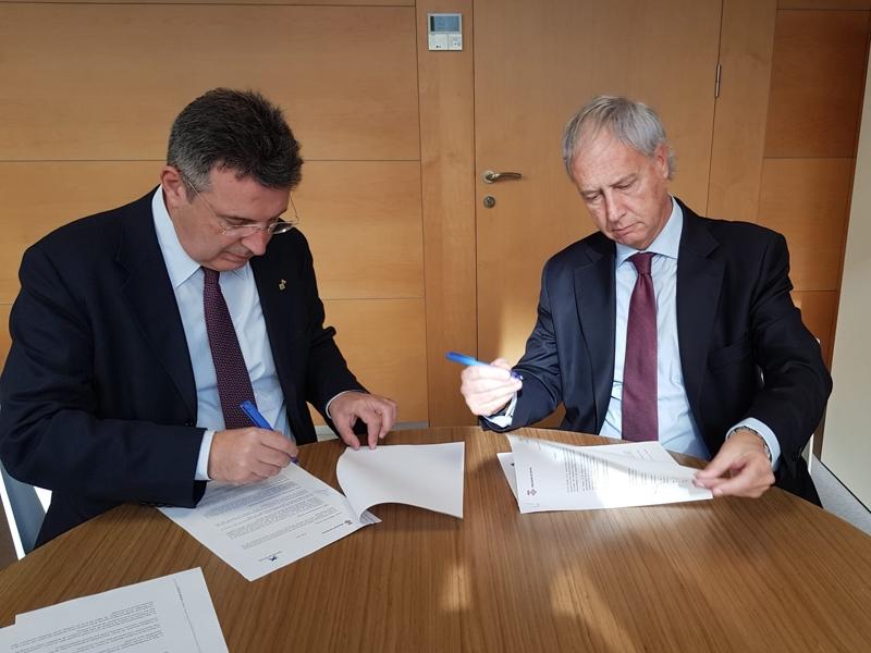 Foto 2 : <p>La Diputaci&oacute; de Girona signa un conveni de col&middot;laboraci&oacute; amb la Fundaci&oacute; Banc&agrave;ria &ldquo;la Caixa&rdquo;</p>