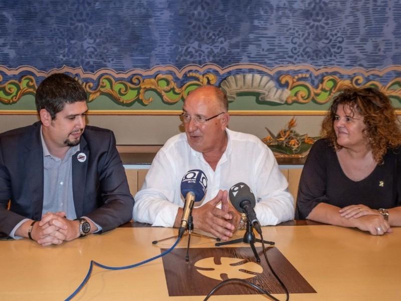 Foto 3 : Consell comarcal Garrotxa - Atenció als mitjans