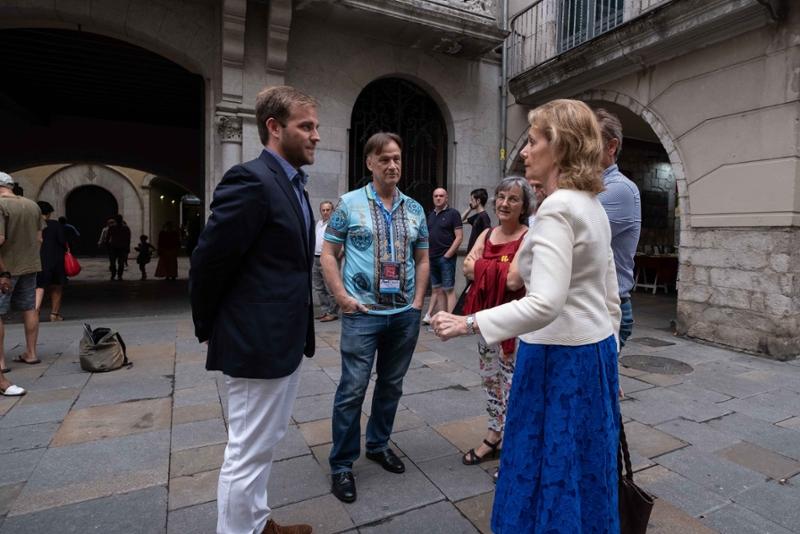 Foto 4: <p>El FITAG exhaureix les entrades de l&rsquo;espectacle inaugural amb una proposta transgressora interpretada per actors de vuit pa&iuml;sos</p>