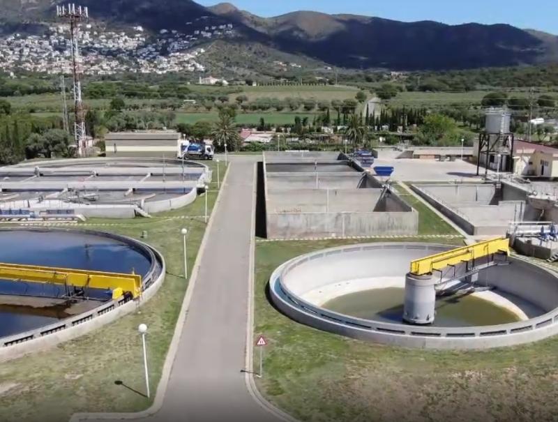 Foto 2 : <p>El Consorci de la Costa Brava i l&#39;ACA signen diversos convenis per millorar el sanejament de les aig&uuml;es residuals en tres comarques gironines</p>