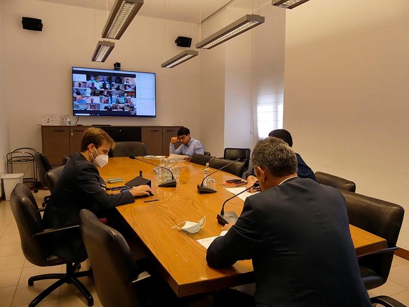 Foto : <p>Es regularitza l'educació telemàtica del Conservatori de Música Isaac Albéniz com a conseqüència de la COVID-19</p>