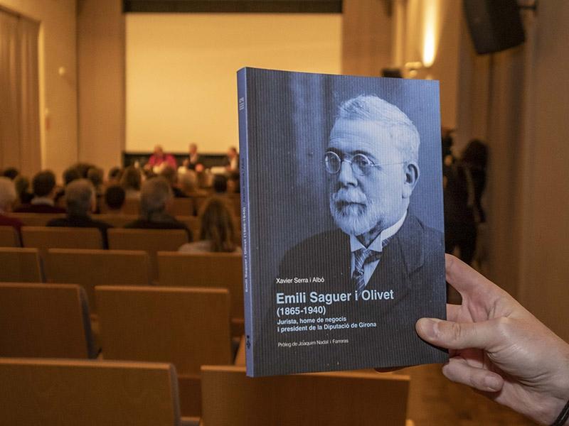 Foto 3 : <p>Presentaci&oacute; del llibre Emili Saguer i Olivet,&nbsp;que va presidir la Diputaci&oacute; de Girona&nbsp;del 1930 al 1931</p>
