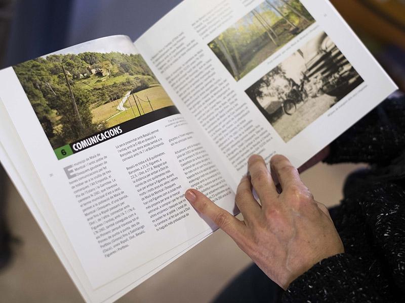 Foto 4: <p>Presentaci&oacute; d&#39;una nova monografia dels &laquo;Quaderns de la Revista de Girona&raquo; dedicada a Mai&agrave; de Montcal i Dosquers</p>