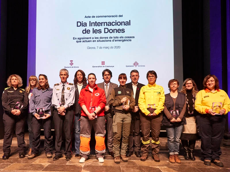 Foto : <p>Diputació de Girona, Generalitat de Catalunya i Ajuntament de Girona s'uneixen per commemorar el Dia Internacional de les Dones</p>