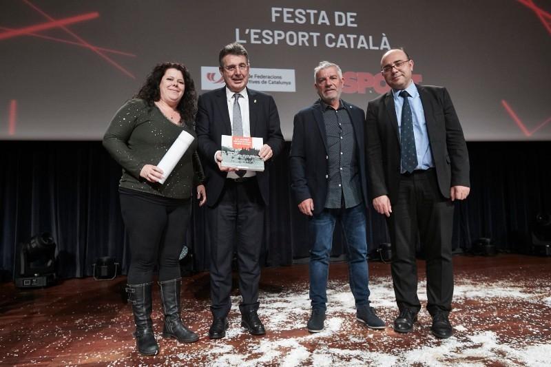 Foto 2 : <p>Reconeixement a cinc entitats gironines en la 23a Festa de l&rsquo;Esport Catal&agrave;</p>