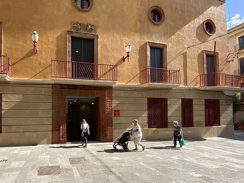 Foto : <p>La Diputació de Girona obre un nou punt del servei d'intermediació en l'àmbit de l'habitatge a la Bisbal</p>