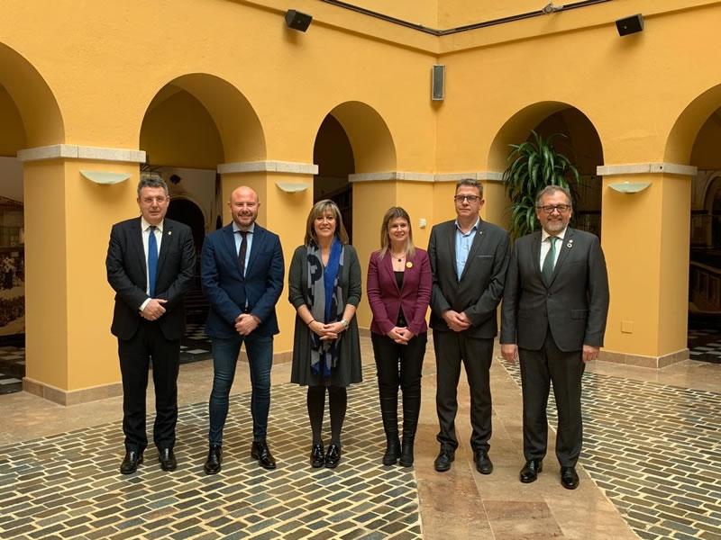 Foto : <p>Les diputacions de Tarragona, Barcelona, Lleida, Girona, Castelló i València es reuneixen per l'impuls del Corredor del Mediterrani</p>
