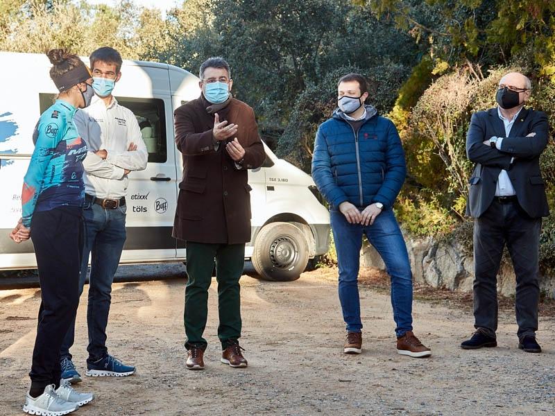Foto : La Diputació de Girona participa en la presentació de la tercera temporada del Massi-Tactic a l'elit del ciclisme fem