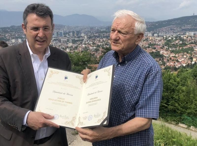 Foto : Mor a Sarajevo el general bosnià Jovan Divjak