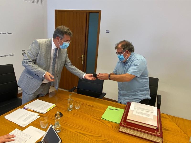Foto : Lluís Amat pren possessió com a diputat i dirigirà el Servei de Medi Ambient