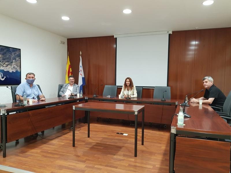 Foto : Miquel Noguer es compromet a finançar la reparació de les infraestructures malmeses pel foc del cap de Creus