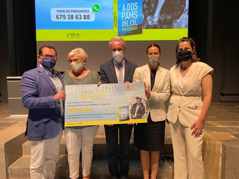 Foto : Albert Piñeira destaca el positivisme de Joan Carles Subirats per afrontar el càncer en la presentació d'A dos pa